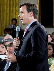 220px-Jake_Tapper_at_the_White_House